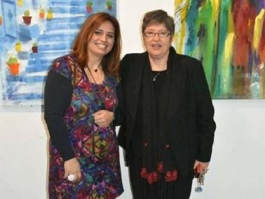 الفنانة سهى مرعي تفتتح معرضها جسور معلقة في الناصرة