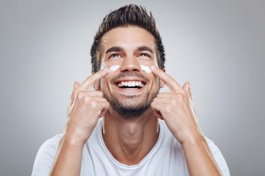 عليك بمعجون الأسنان لحل مشاكل البشرة!