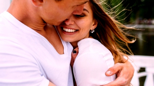 المرأة الثور: عاشقة هادئة تؤمن أنّ الحب علاقة تفاهم