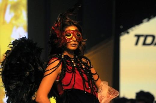 جنون الموضة في كراتشي الباكستانية..صور