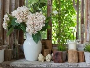 كيف يمكن أن نزيّن منازلنا بالزهور والنباتات؟ إليكم هذه الأفكار
