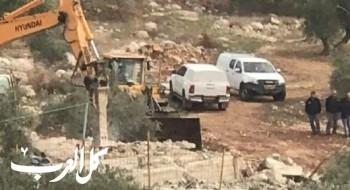 هدم بيت قيد الإنشاء في زيمر بحجة البناء غير المرخص