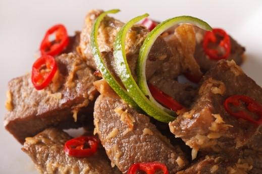 لحم الضأن في جوز الهند والكاري..صحتين