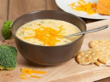 طريقة تحضير شوربة البروكلي بالجبن الشيدر