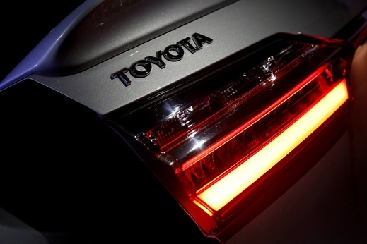 تويوتا تطرح سيارات كهربائية
