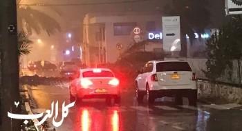 اغلاق الشارع الرئيسي في مركز دالية الكرمل بسبب سقوط شجرة نخيل