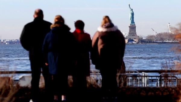 تمثال الحرية.. مغلق أمام الزوار حتى إشعار آخر