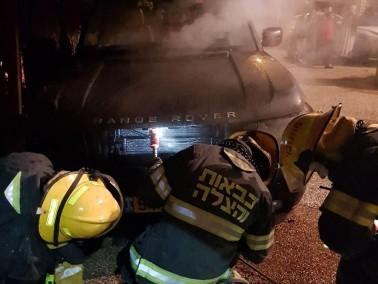اندلاع حريق بسيارة رئيس مجلس كفربرا لاسباب غير معروفة