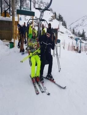 المئات يستمتعون بثلوج جبل الشيخ