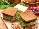 اليكم من مطبخنا: ساندويش الدجاج مع جبن البارميزان
