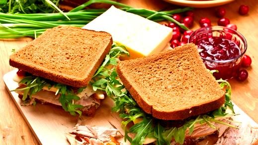 من مطبخنا: ساندويش الدجاج مع جبن البارميزان