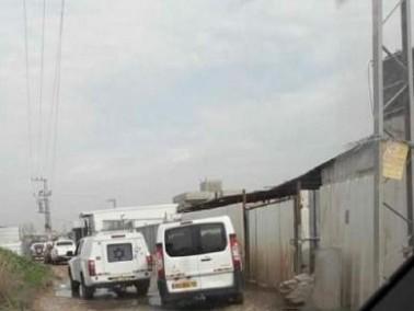 الشرطة تطالب مواطنين من قلنسوة بهدم بيوتهم