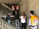 شعب: إصابة عامل بجراح خطيرة بعد سقوطه عن ارتفاع
