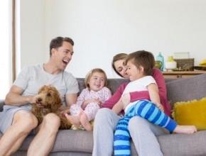 عزيزتي حواء..كيف تتعاملين مع انتقادات زوجكِ لك في تربية الأولاد؟