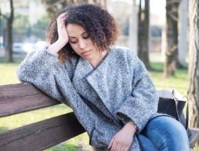 شابة (29 عامًا): عمتي تتدخل في أمور بيتنا الشخصية ولا أعرف كيف أضع لها حدا