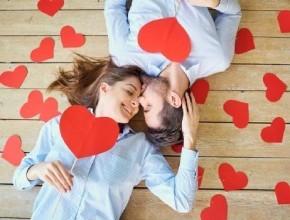 خبراء للزوجين: التقبيل يخفف من التشنجات والصداع كما يحارب تسوس الأسنان