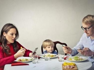 أطفال الآباء المجهدين أكثر عرضة للاكتئاب!