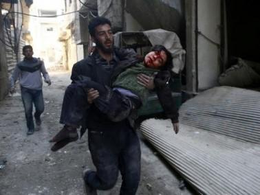 ماذا تعني الطفولة؟؟ أطفال سورية يلعبون بين الرّماد