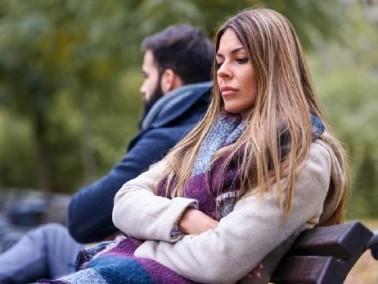 هل يفضل زوجك ان يبقى منعزلا وصامتا؟