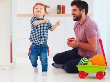 هل للأب دور في تربية الابناء؟