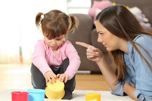 هل يمكن تربية أطفالنا دون عقاب؟