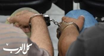 اعتقال مشتبهين (23 و22 عامًا) من نحف بسرقة هاتف نقّال من شابة فجر اليوم