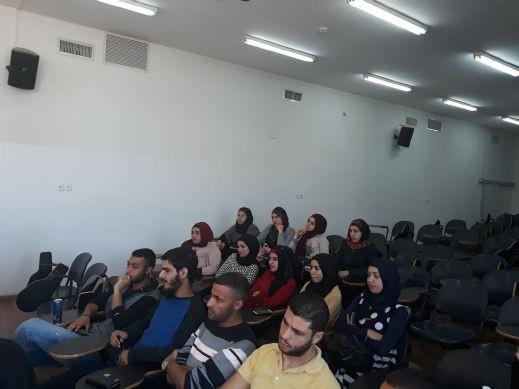 دورة متطوعات لطلاب وطالبات كلية القاسمي