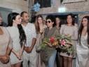 مصممة الأزياء ناديا عزيزي تقدّم جديدها: أتمنى تنظيم أسبوع موضة عربي محلي