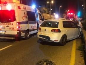 اصابة شخصين بحادث طرق ذاتي بالقرب من مفرق الجديدة