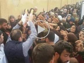 فيديو صادم -عطش أطفال الغوطة لا يرتوي إلا بالهتاف للأسد: الماء مقابل الإهانة