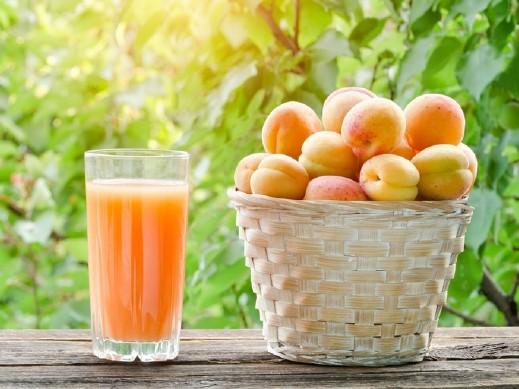عصير الخوخ والمشمش لانتعاش بمذاق رائع