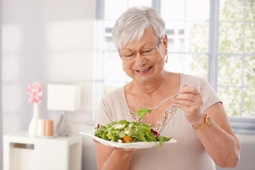 دراسة: الخضروات تحمي النساء المسنات