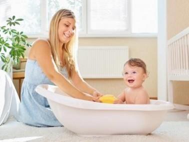 ما هي درجة الماء المناسبة للطفل؟