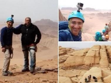 مزهر عنان وأسعد زيدان يتسلقان قمة جبل رَمّ في الاردن