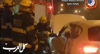 تخليص سيدة بعد حادث طرق في مدينة حيفا
