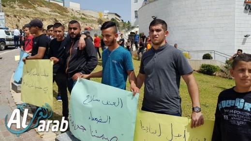 أبناء صف المرحوم فرسان جبارين يتظاهرون في أم الفحم