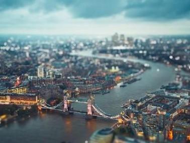 لندن مركز بريطانيا السّياسيّ والاقتصاديّ