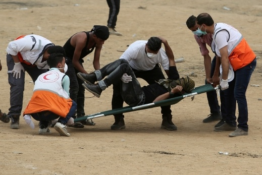 غزة : اصابات برصاص الجيش واختناقا بالغاز
