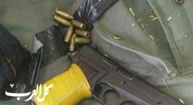 اللقية: ضبط مريحوانا وسلاح واعتقال 3 مشتبهين