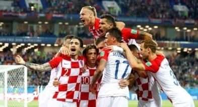كرواتيا تتغلب على نيجيريا بقيادة النيران الصديقة