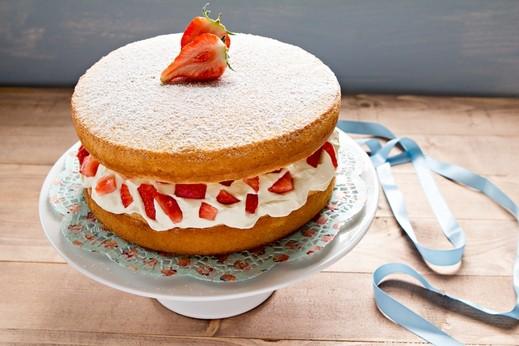 الكعكة الاسفنجية السريعة بالكريمة.. صحتين