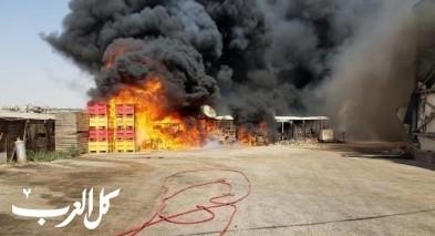 اندلاع حريق في مصنع لتعليب الفواكه قرب الطيرة