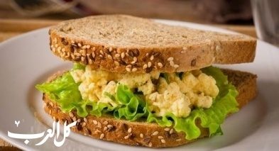 ساندويش البيض اللذيذ.. لفطور صحي