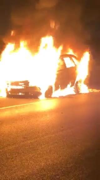 اشتعال النيران بسيارة قرب قلنسوة دون وقوع اصابات