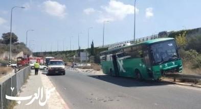 إصابتان إحداهما خطيرة إثر حادث طرق على شارع 79 قرب الناصرة