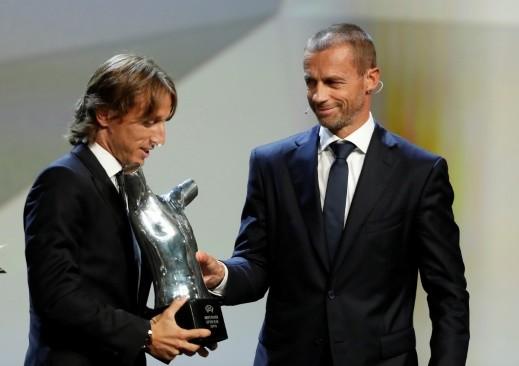 لوكا مودريتش لاعب العام في أوروبا متفوقاً على صلاح