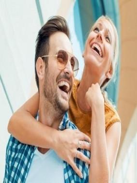 من الأفضل..الزواج بمن تكبرك أو تصغرك سنًا؟