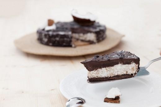 طريقة مميزة لتحضير كعكة الباونتي الشهية