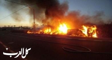 طبريا: اندلاع النيران في حافلة يمتد لنباتات حولها