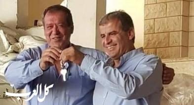عرابة: عاصلة يقدم مفتاح البلدية للرئيس الجديد